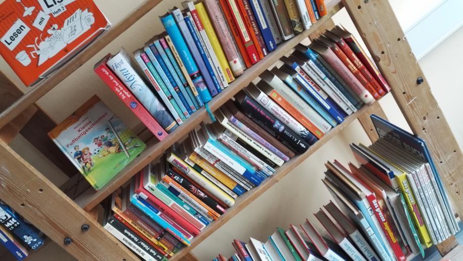 Bücherrei 1